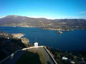 Lago d'Orta vista dal santuario